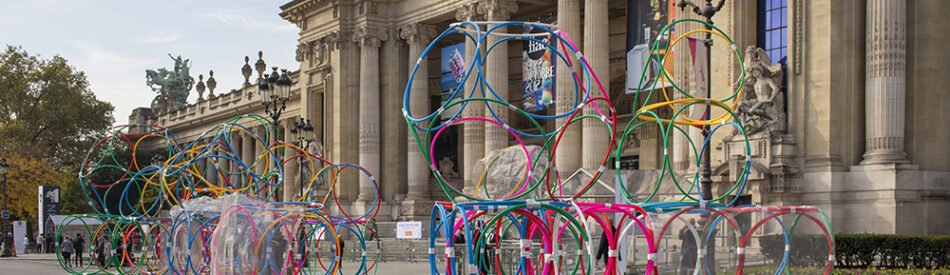 Yona Friedman, Project for a Museum without a Building, FIAC 2017, hula hoops.  Courtesy Galerie Jérôme Poggi, Paris. ©Nicolas Brasseur